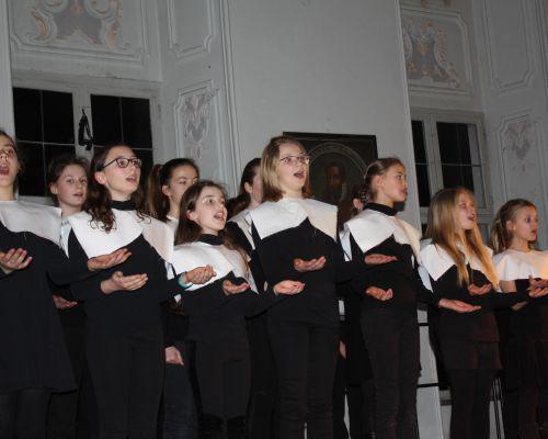 """Swing und Groove in alten Klostermauern – Unterstufenschüler führen """"Sister Act"""" auf"""